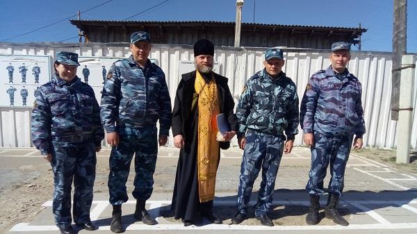 Сотрудники ИК-24 встретились со священником