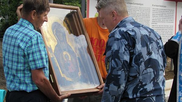 В Кировградской ВК состоялся Крестный ход с иконой «Знамение»